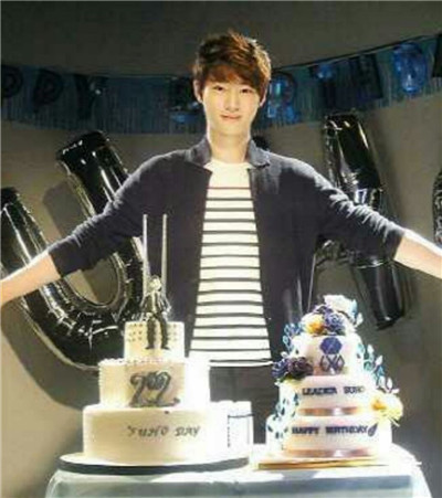 祝EXO队长SUHO,生日快乐!等你回来,金俊勉图1
