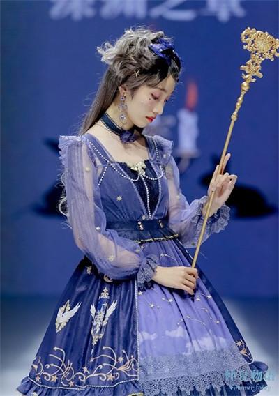 洛丽塔时装秀杭州开幕 现场宛如童话世界图2