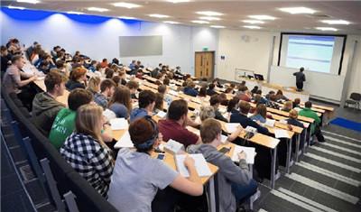 英国全面解封英国留学仍不踏实!英国大学保留网课能在家上吗?图3