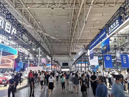 第21届新疆国际汽车工业博览会盛大开幕 抄底买车就在官方旗舰展