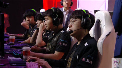 RNG受到韩国玩家追捧?1胜5负开局9连胜晋级评价反转!图2