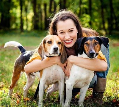 宠物狗需要主人的爱抚,主要是以按摩的方式来进行图2